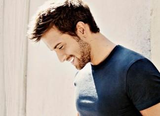 cantantes guapos, cantantes sexys, españoles, artistas guapos, sexualidad