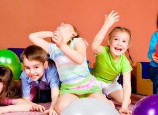 niños, pelotas, juego, diversión