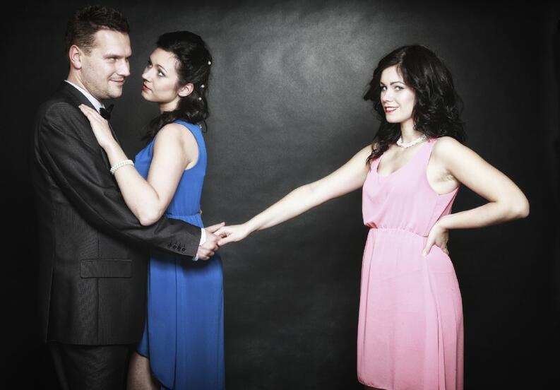 Hombre infiel o pareja liberal
